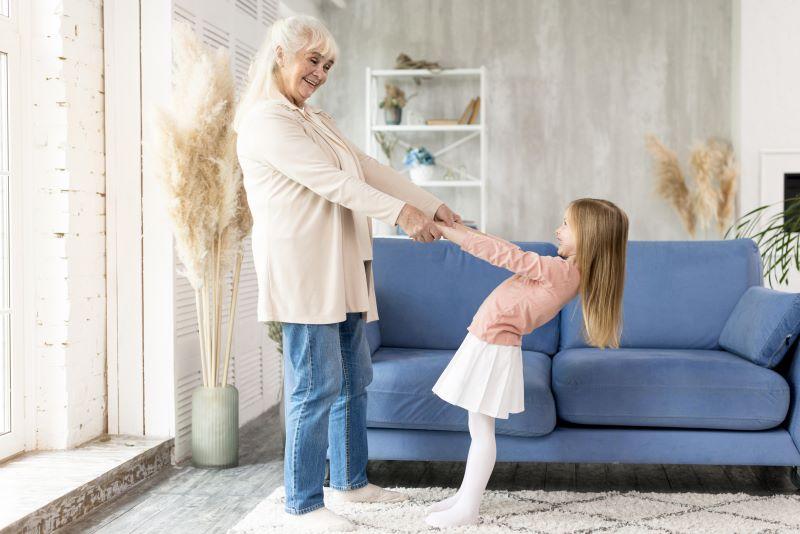 Dzieci i seniorzy – co ich ze sobą łączy?