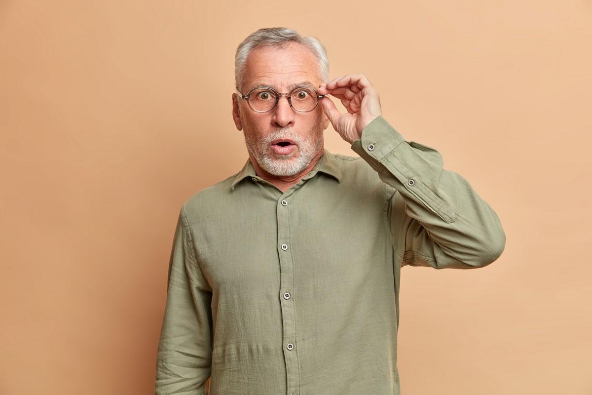 Upadki – główna przyczyna urazów wśród seniorów. Na co uważać?
